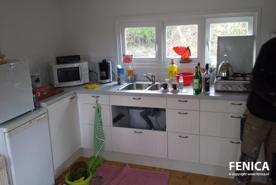 Fenica kozijnen en andere klussen keuken plaatsen - Modellen van kleine moderne keukens ...